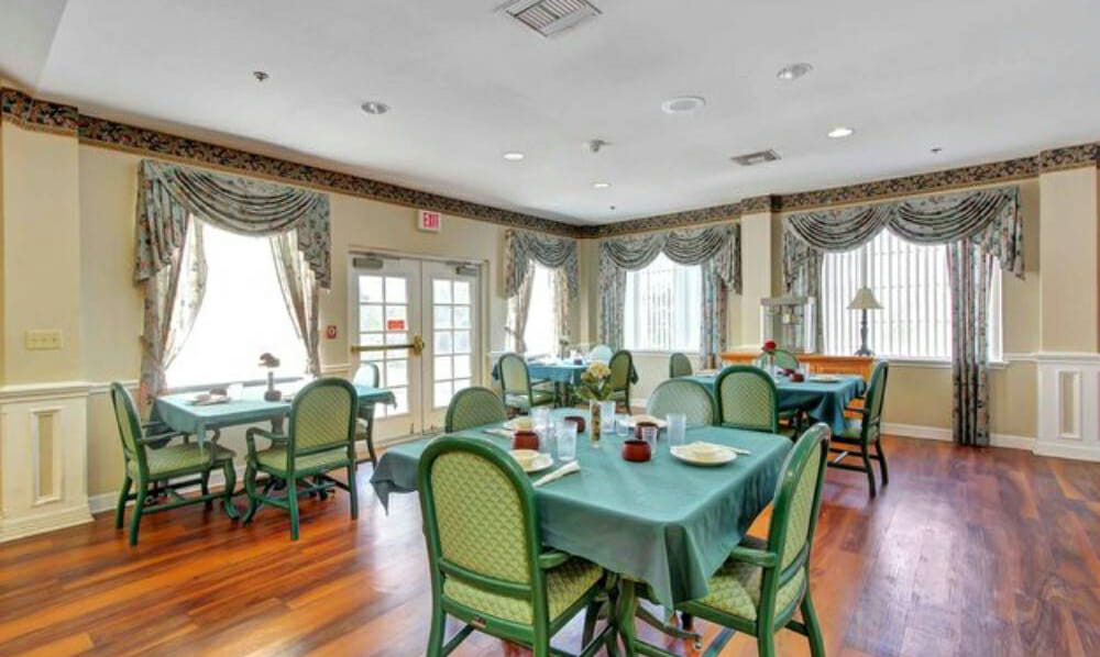 Senior Care of Weston Inn11